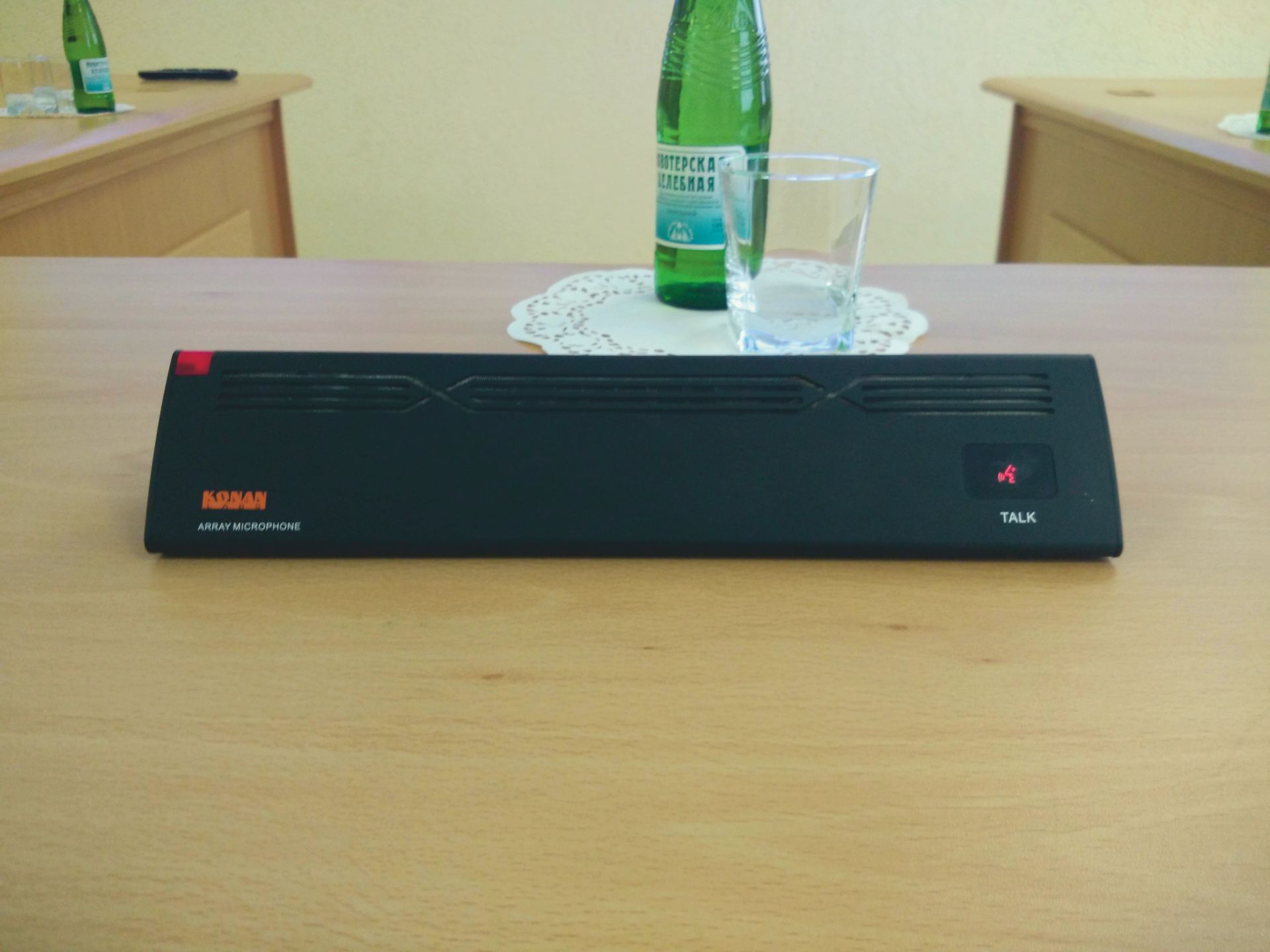 Переговорная комната с системой видеоконференцсвязи